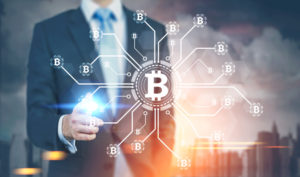 大手参入と徐々に入る暗号資産(仮想通貨)規制